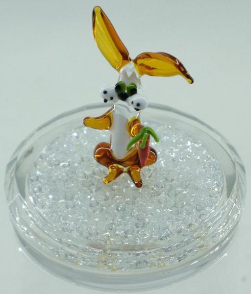Hase mit Möhre aus Glas HMM
