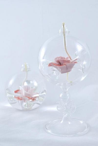 Öllampe mit rosé-roter Wildrose und Glasfuß OL_WR_RR_F