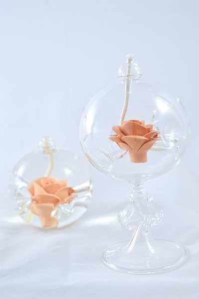 Öllampe mit apricot Rose und Glasfuß